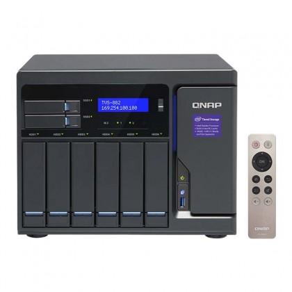 QNAP TVS-882-i3 con mando a distancia y HDMI